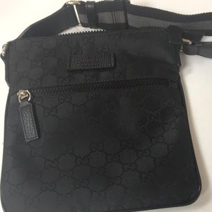 Authentic New Gucci crossbody! Worn once!